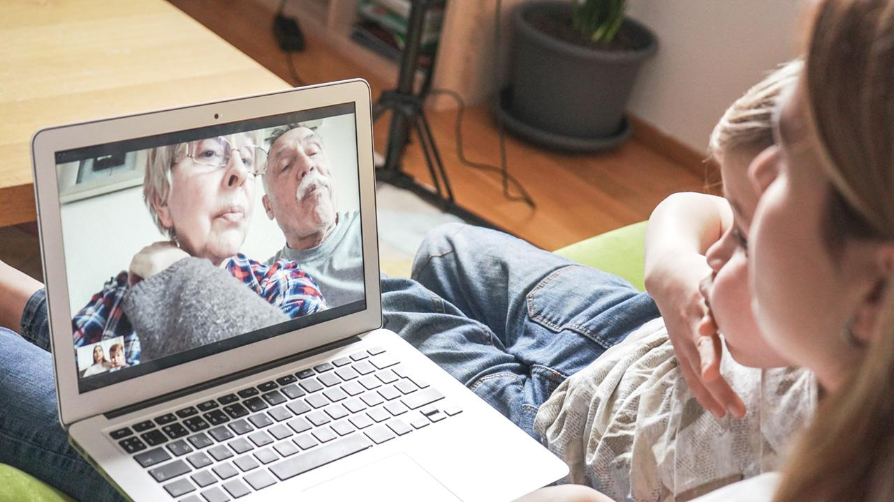 Video-Chat mit Großeltern
